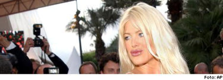 Naked Victoria Silvstedt in Ivansxtc ANCENSORED