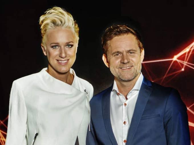 """Kajsa Bergqvist och Rickard Olsson är programledare för SVT:s nya program """"Atleterna"""". Foto: Carlos Norlén/SVT"""