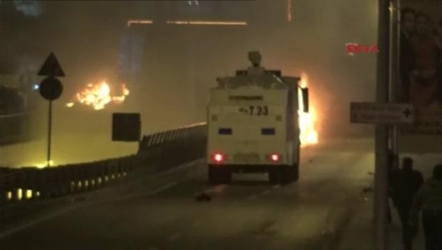 Två explosioner skakade Istanbul på lördagen