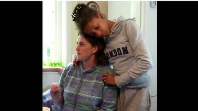 Jaineys mamma Karin drabbades av en mycket aggressiv cancer. Foto: Privat