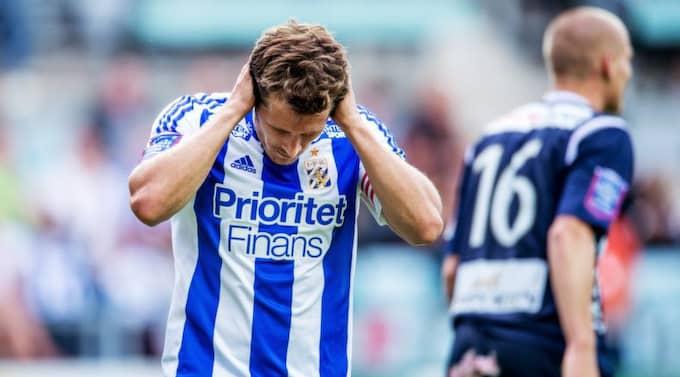 PÅ VÄG BORT? Blåvitt har haft en riktigt tung säsong. Nu kan klubben även förlora sin stora tröjsponsor. Foto: Carl Sandin / Bildbyrån