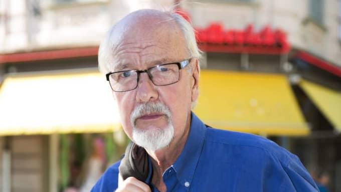 Vill du få besked om Västlänken innan valet? Yngve Olsson, pensionär, 74, centrum. – Information är alltid nödvändigt och jag tycker det har varit väldigt magert med det. Att lämna mer information i december är ju för sent. Då har ju valet redan varit. Det är lite mysko tycker jag. Foto: Lennart Rehnman