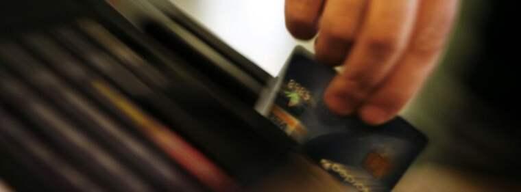 I den utredning som pågår i Malmö finns exempel på hur en och samma person gjorde cirka 6 300 misstänkt falska korttransaktioner som passerade rakt igenom bankernas säkerhetssystem. Foto: Niklas Björling