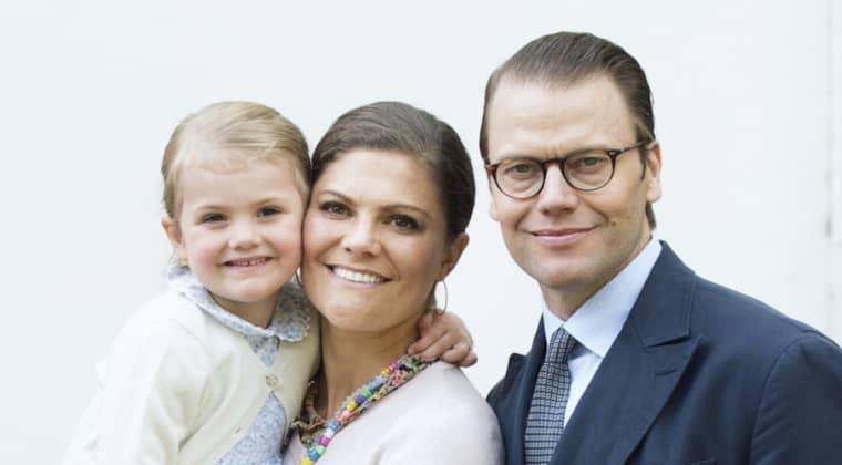 Estelle har fått en lillebror. Enligt spelbolaget Betsson är Bertil det troligaste namnet. Foto: Sven Lindwall