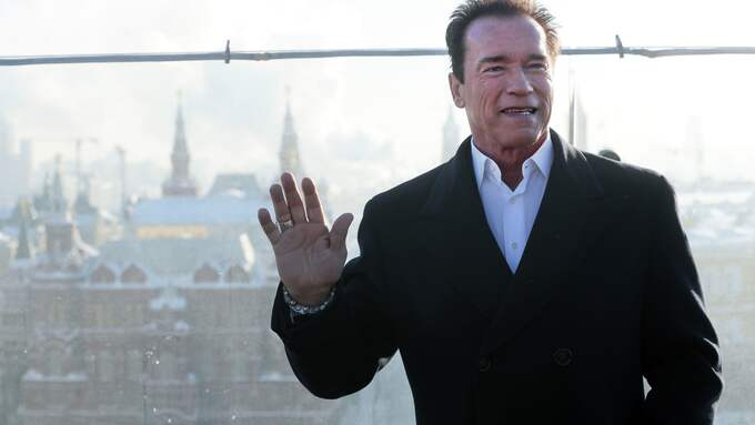 Arnold Schwarzenegger, 69, verkar ha ett ärende i Göteborg. Foto: MIKHAIL METZEL