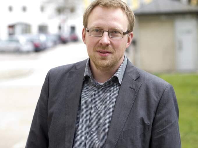 """""""Vi bör definitivt tvinga fram en regeringskris,"""" säger Henrik Sundström, förbundsordförande för Moderaterna i Bohuslän. Foto: Per Landén"""
