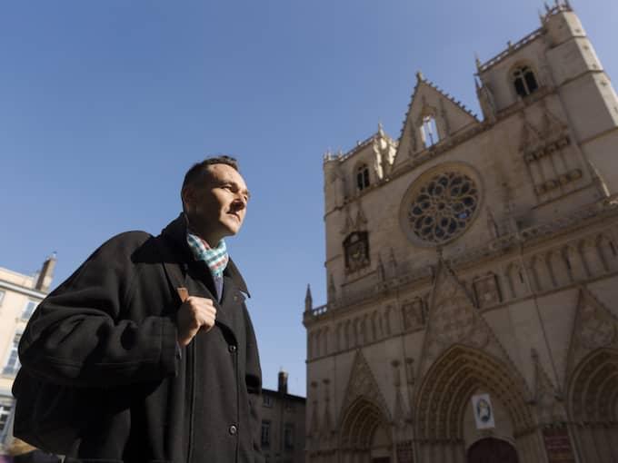 Den ökände pedofilprästen fader Preynat förgrep sig på Laurent Duverger, 47, i Lyon, när Laurent var ung. Till slut berättade han för sin mamma – som sa åt honom att hålla tyst. Foto: Ola Torkelsson