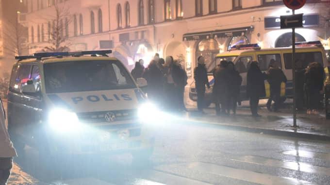 Nyårsfirande på Möllevången i Malmö. Enligt en rapport som Kvällsposten tagit del av skedde flera ofredanden på nyårsnatten. Foto: PATRICK PERSSON