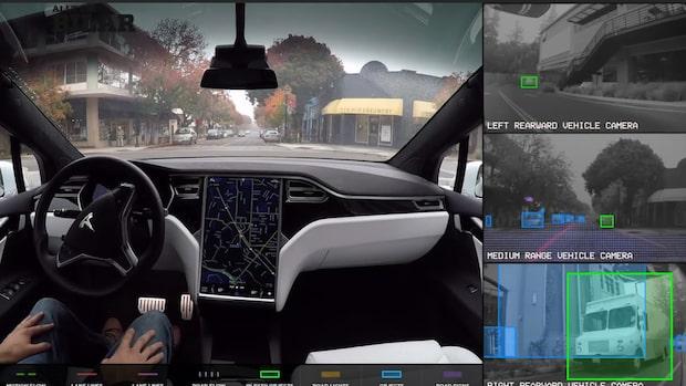 Tesla bygger helt självkörande bilar