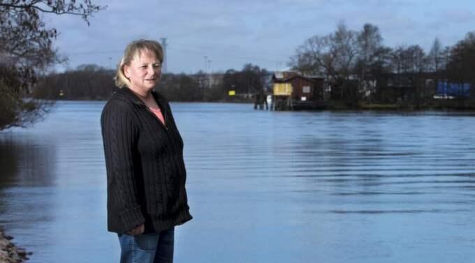 Jessicka Kangasniemi, 49, är drivande kraft i Missing people. När fotografen ska backa sig i läge för att ta den här bilden förmanar hon honom att se upp så han inte ramlar i.. Foto: JAN WIRIDÉN Foto: Jan Wiriden