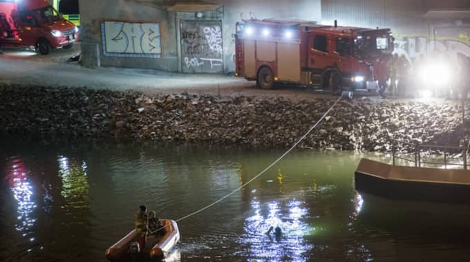 Alla fyra medlemmar i bandet och deras manager dog när deras hyrbil störtade från bron i Södertälje. Foto: Johan Nilsson / TT