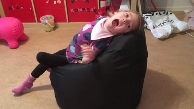 """""""Hon är ett barn, precis som alla andra men att hon fysiskt har andra hinder"""", säger Savannahs mamma Christel. Foto: Privat"""