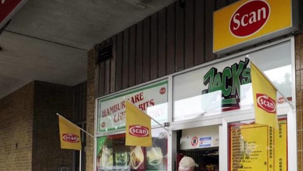 Scan skrotar gatukök - svensk korv bort