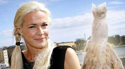Malena Ernmans helvita klänning kostade närmare 400 000 kronor. Foto: Sven Lindwall