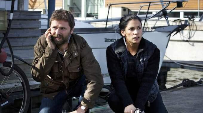 Shanti Roney som Paul Hjelm och Malin Arvidsson som Kerstin Holm. Foto: Johan Paulin/Filmlance/SVT