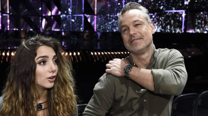 Programledarduon Gina Dirawi och Henrik Schyffert vågar kritisera varandra. Foto: Sven Lindwall