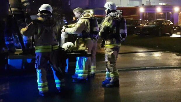 Brand i lägenhet – en person allvarligt skadad