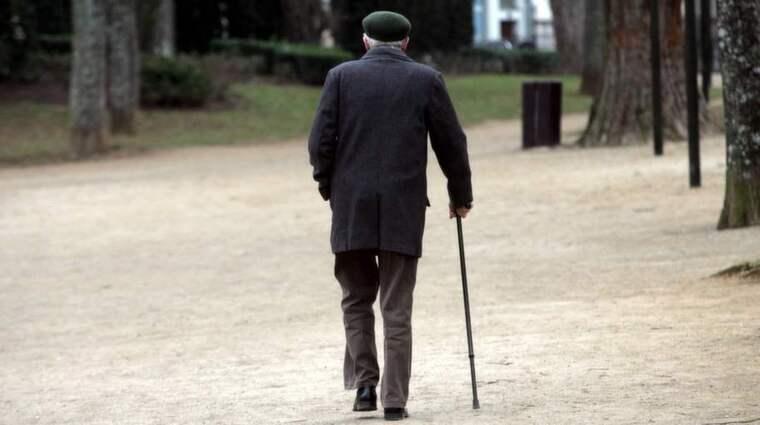 VI BLIR ÄLDRE. Befolkningsprognoserna visar på en mycket kraftig ökning av antalet personer över 80 år under de kommande 20 åren. Vården måste anpassas därefter. Foto: Colourbox