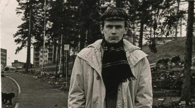 Närmar sig skapelsen. Göran Sonnevi år 1969. Sedan dess har diktböckerna bara blivit tjockare. Foto: Sven Erik Sjöberg