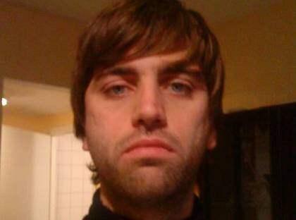 <b>Robert Törnqvist</b> - eller Liam Gallagher? Här är bilden som gav Robert, 29, - 760
