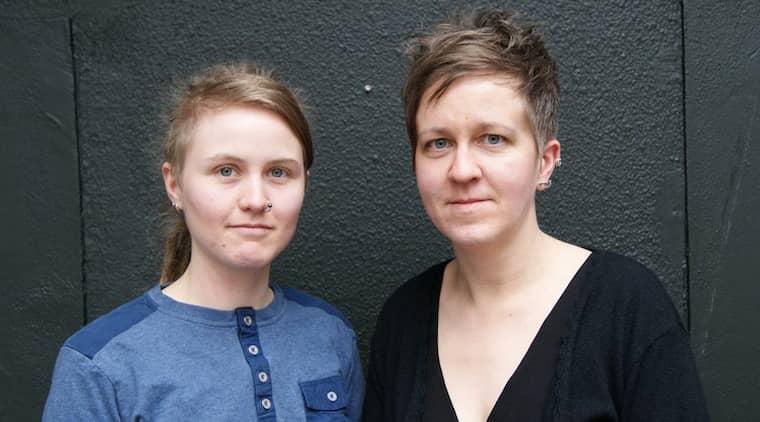 KRITISKA MOT SEXKÖPSLAGEN. Ulrika Westerlund och Emelie Mire Åsell från RFSL hävdar att sexköpslagen är ett hinder för hiv-prevention.