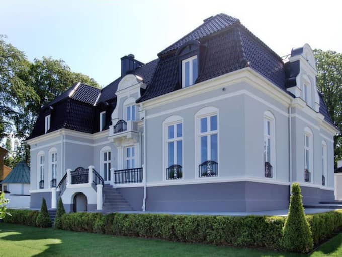 Till salu. I april 2013 lades Zlatans drömvilla ut på bostadssajten Hemnet. Huset är dock fortfarande, efter 696 dagar, till salu. Kanske är det prislappen på omkring 30 miljoner kronor som avskräcker. Foto: Residence.se