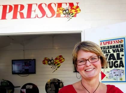 Sara Gunnerblad från Bromma, har redan bestämt sig för Vänsterpartiet, men antar ändå utmaningen. Efteråt är hon lite förvånad att resultatet stämde så bra med hennes uppfattningar. Foto: Sven Lindwall