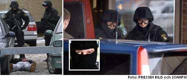 Polisen slår till mot konferenslokalen i Falun. Åtta personer greps och stora mängder vapen beslagtogs.