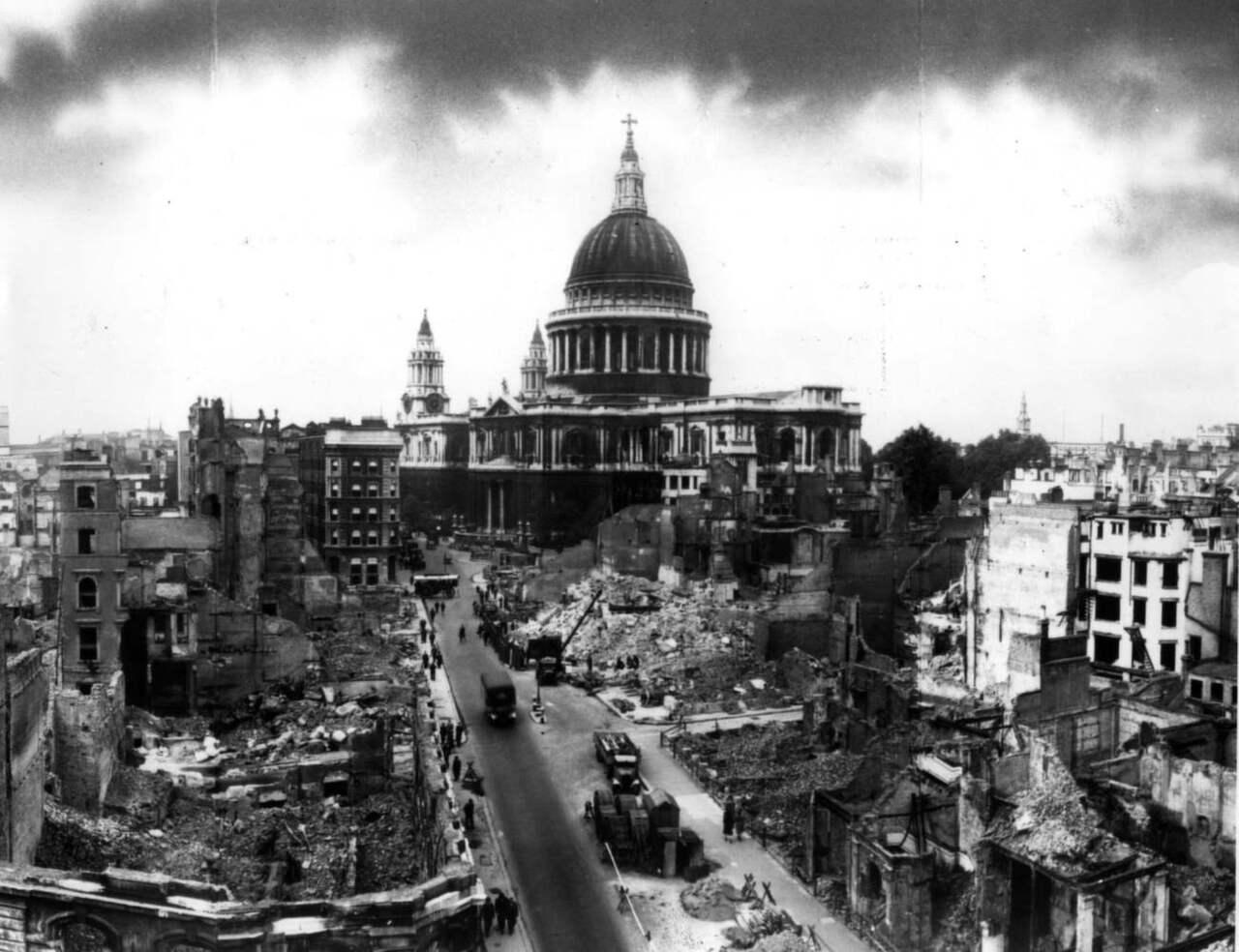 sönderbombad tysk stad