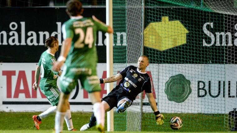 Tommy Naurin, målvakt i Gif Sundsvall blev matchhjälte. Foto: Carl Sandin