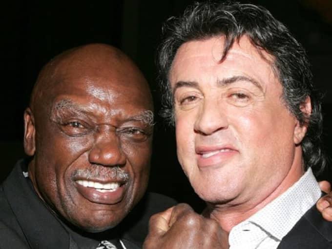 Tony Burton, här tillsammans med Sylvester Stallone, har gått bort.