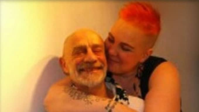 Puss min älskling. Sten Johanssons och Sarah Rauchenbergers kärlek vinner över åldersskillnaden. Foto: Privat