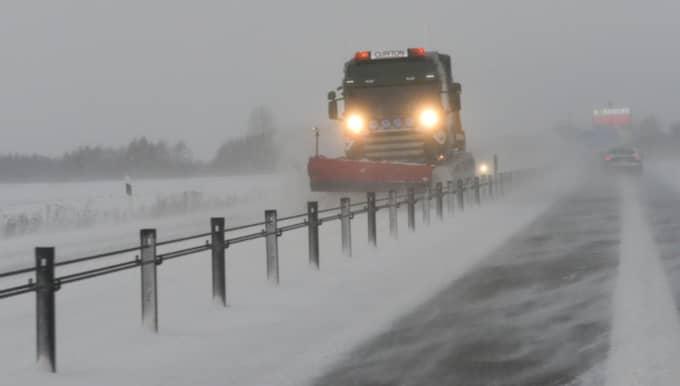 Polisen varnar för snörök på vägarna. Foto: Lasse Svensson