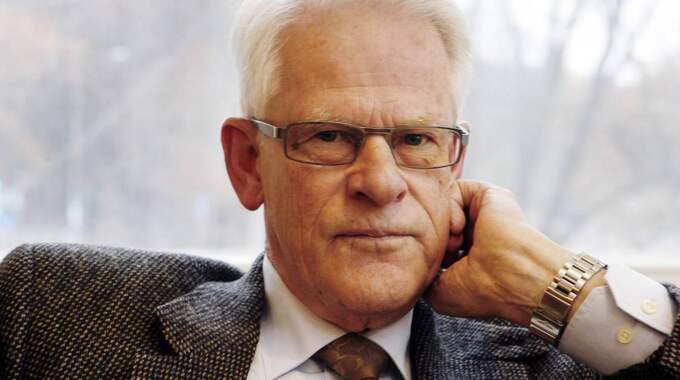 """""""Under alla dessa år hade jag förmånen att stå i nära kontakt med Sten. Jag kom att uppskatta honom både som kollega och vän. Det är med saknad och värme jag minns honom"""", skriver Ingvar Carlsson. Foto: Cornelia Nordström"""