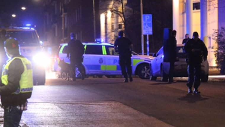 Polisen larmades till Sandhamnsgatan i Stockholm klockan 19.25. Foto: Janne Åkesson/Swepix