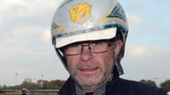 Thomas Åhlund, travtränare med V75-segrar på meritlistan under året, går till våldsam attack mot hur hans hästar behandlats i Norge. Foto: jagersro.se