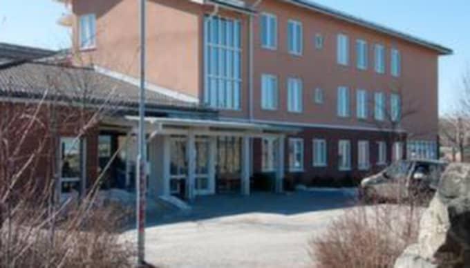 Tidigare hamnade äldreboendet Tallbohov i Järfälla i blåsväder. Nu får korttidsboendet Kastanjen hård kritik.
