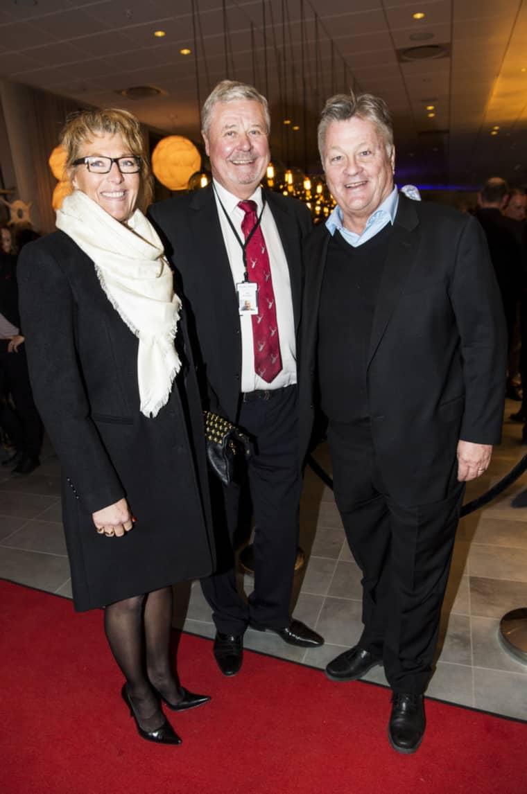 Malmös tunga garde, Dan Olofsson och Percy Nilsson med hustrun Lotta var förstås nyfikna på vad Petter Stordalen nu ställt till med ute i Hyllie. Foto: Christian Örnberg