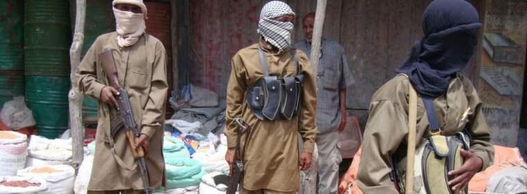 LAGLöST LAND. I Sinai sysslar beväpnade milisgrupper med kidnappning och utpressning. Bilden: Al-Shabaab-milisen sägs ha kopplingar till Sinai. Foto: AP