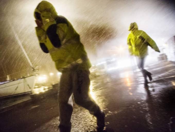 Ett oväder sveper in över Västsverige under tisdagen. Värst drabbat är Värmland. Foto: Robin Aron
