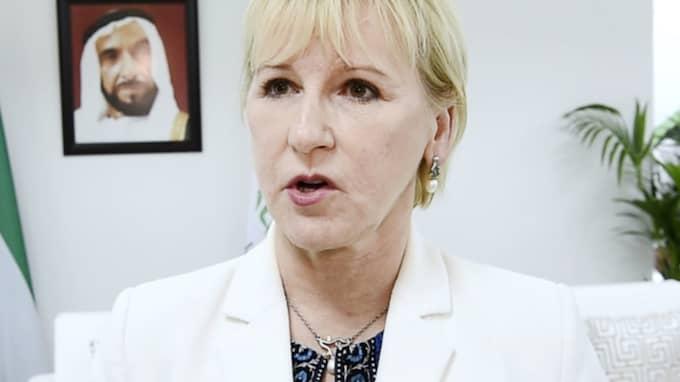 Utrikesminister Margot Wallströms förklaring till bostadsskandalen är pinsam. Men det vore på sin plats att statsråd från landet i fortsättningen erbjuds övernattningslägenheter. Foto: Sven Lindwall
