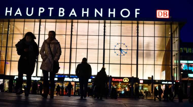 Övergreppen i Köln, Tyskland på nyårsafton fick stor uppmärksamhet. Nu agerar Europarådet. De diskuterade ett flertal förslag om hur sexuella övergrepp kan motverkas. Förslagen röstades igenom och de uppmanar nu sina medlemsländer att ta till sig de förslag som finns i Istanbul-konventionen. Foto: Getty images