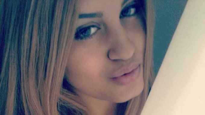 Alexandra Mezher, 22, arbetade ensam då hon knivhöggs till döds på HVB-hemmet i Mölndal. Foto: Privat
