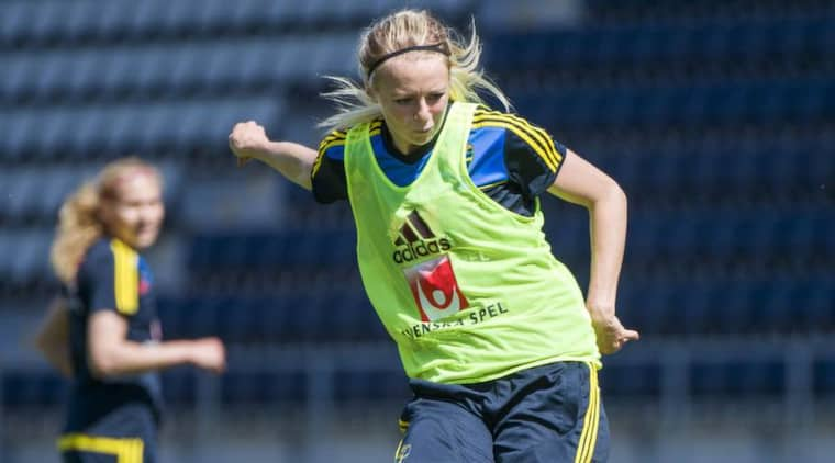 Tror på sverige. LDB:s mittback Amanda Ilestedt gör mästerskapsdebut i hemma-EM. Nu hoppas 20-åringen på en ny svensk succé. Foto: Carl Sandin / Bildbyrån