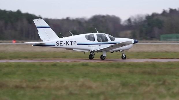 Här flyger GT:s reporter med Sveriges yngsta pilot