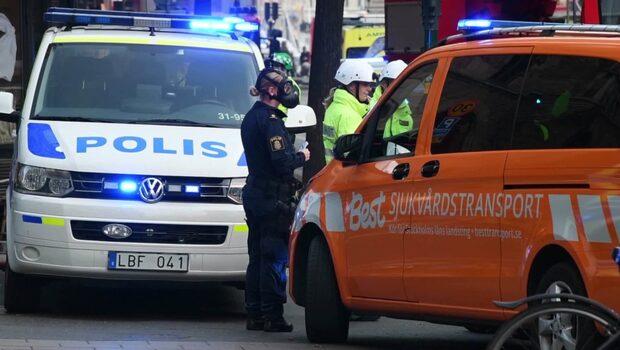 Räddningstjänsten undersöker ett misstänkt brev som öppnats hos företag