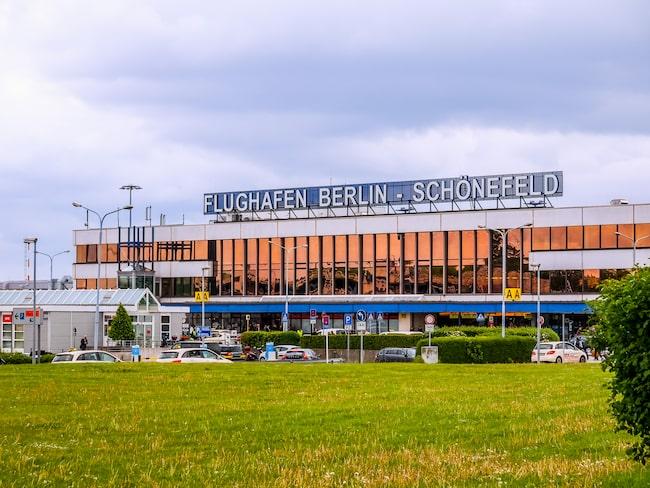 """En man hade checkat in en väska med """"suspekta föremål"""" på Berlin-Schönefelds flygplats."""