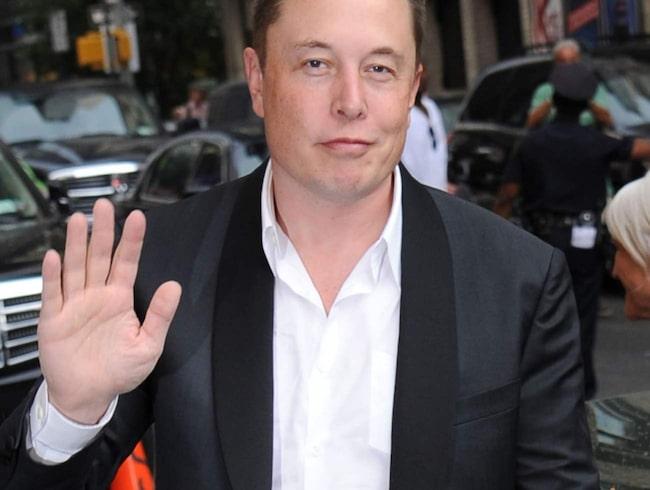 Elon Musk, Teslas grundare reser till Köpenhamn.