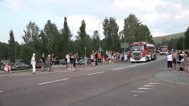 Här anländer de polska brandmännen