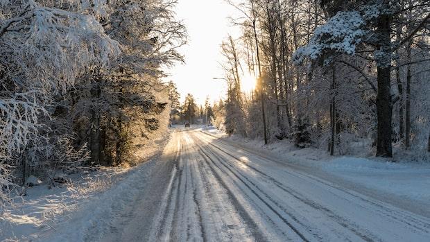 SMHI varnar för plötslig ishalka på vägarna
